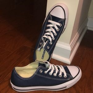 Brand new LOW TOP CONVERSES